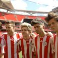 "One Direction se pone ""la albirroja"""