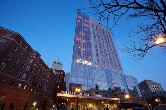 Nuevo edificio del Berklee College of Music's en Massachusetts. Foto: Kelly Davidson. www.berklee.edu